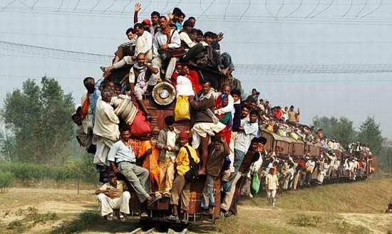 indiatrain03.jpg